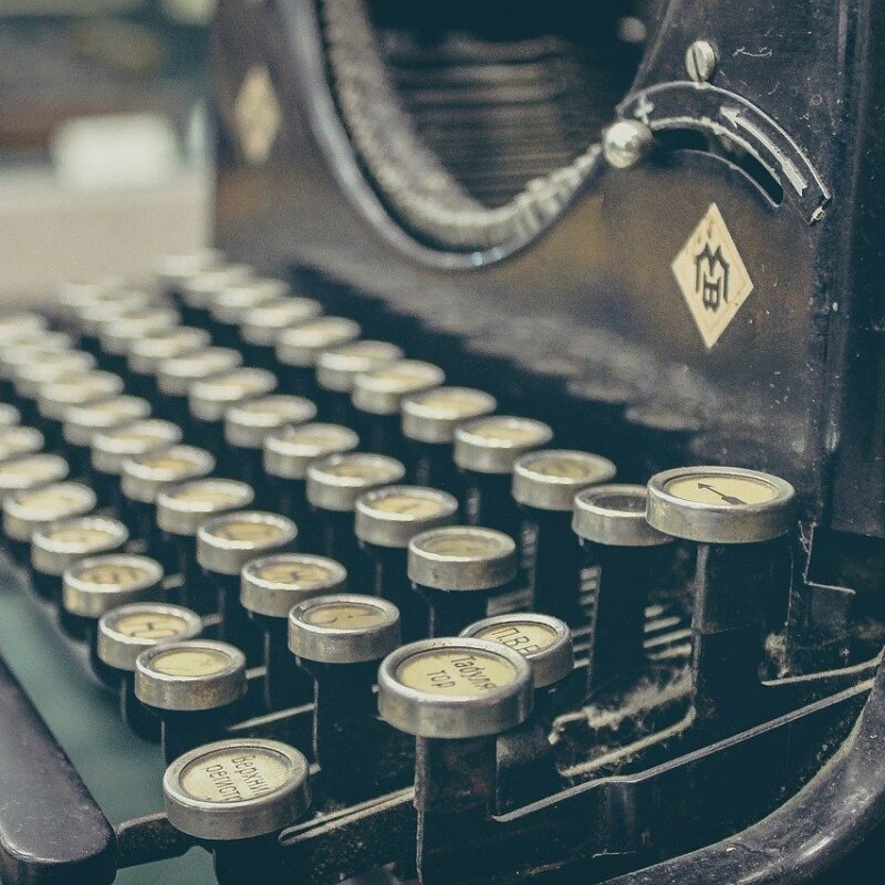 Start Small, Aim High - How to build a daily writing practice
